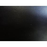 Ceintures artisanales en cuir noir tannage végétal de 3 cm de large.